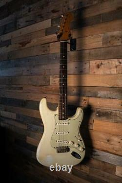 2001 Fender Custom Shop 1960 Relic Stratocaster in Olympic White Pre-Owned