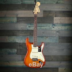 Fender American Performer Stratocaster, Rosewood Fingerboard, Honey Burst