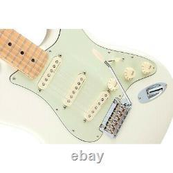 Fender Deluxe Roadhouse Stratocaster Maple Fingerboard Olympic White
