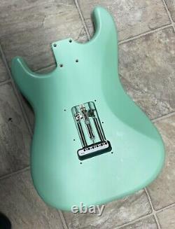 2021 Fender American Performer Stratocaster Hss Satin Surf Corps Vert Avec Hardware