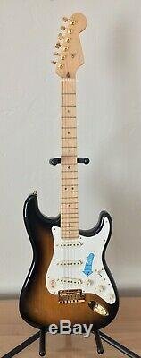 Absolument Mint 2004 Fender 50e Anniversaire Stratocaster American Deluxe