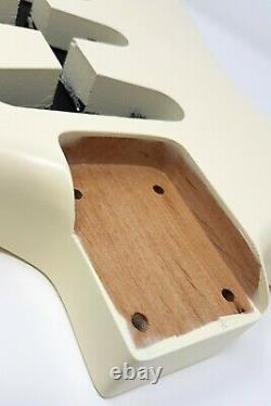 Brio Strat Style Corps Nitro Satin 2pc Alder Vintage Blanc