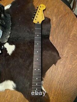 Cou Stratocaster Relic'd Fender Avec Les Tuners Double Row Relic'd Kluson Relic'd