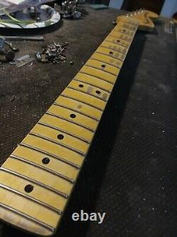 Fender LIC Relic Strat Cou Vieilli Nitro 69 70 Érable Stratocaster M. G's Customs