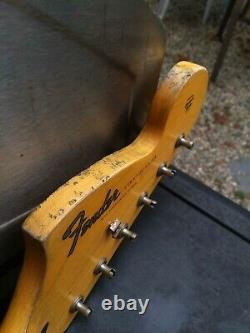 Fender LIC Strat Cou Nitro Inverso Headstock Stratocaster Relic M. G Âgé De 67 Ans