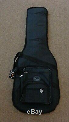 Fender Limitée Américaine Performer Stratocaster Maple Fingerboard Noyer Withgig