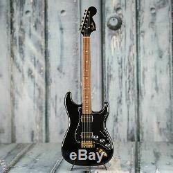 Fender Manche Acajou Exclusif Blacktop Stratocaster, Noir Avec De L'or Hardwar