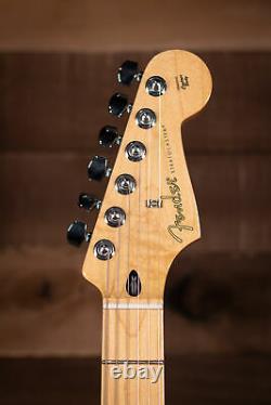 Fender Player Stratocaster, Maple Fingerboard, Sunburst 3 Couleurs