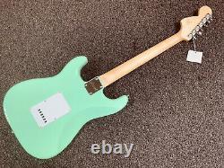 Fender Squier Affinity Strat Surf Green Stratocaster Guitare Électrique