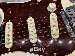 Fender Stratocaster American Elite 6 Cordes Ebène Guitare Électrique