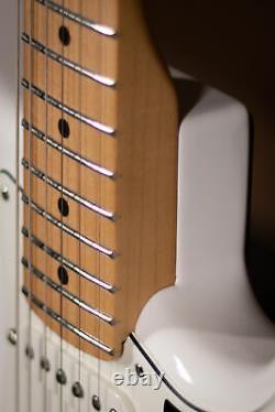 Fender Stratocaster Joueur, Maple Fingerboard, Blanc Polaire