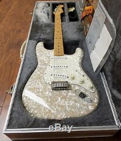 Fender Stratocaster Moto Et Set Amp Mère De Toilette Fini Perle 1995