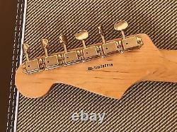 Fender Stratocaster Srv Strat Electric Guitar Tout Nouveau Rare