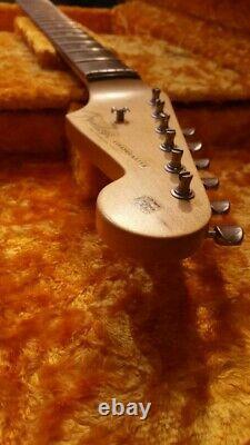 Fender USA Custom Shop Placard Classique Relic Stratocaster Cou W' Accordeurs