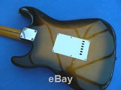 Import 1986-1987 Fender Japon St-54 Stratocaster Sunburst & Nouveau Hard Case Mij