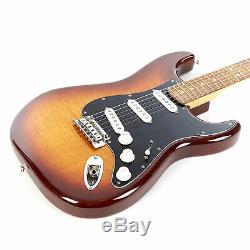 Lecteur Fender Stratocaster Série Plus Haut Pau Ferro Tobacco Burst Demo