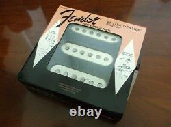 New Fender Vintage'65 Stratocaster Pickup Set, Vintage White 099-2237-000