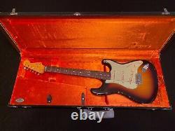 Nouveau Fender Custom Shop Stratocaster Relic 1961 Avec Coa Sunburst (charity Auction)