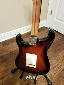 Série De Joueurs Fender 2020 Stratocaster Ltd. Ed. Avec Menthe De Cou D'érable Grillée