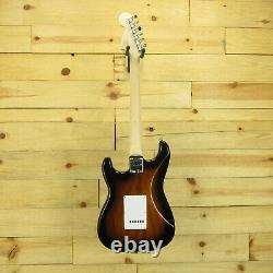 Squier Affinity Series Stratocaster, Maple Fingerboard, 2 Couleurs Sunburst