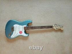 Squier Fsr Bullet Stratocaster Lrl Lake Placid Blue Limited Edition Guitare