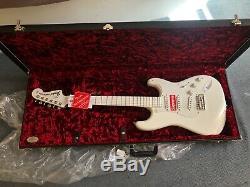 Supreme X Fender Stratocaster En Main! Prêt Pour L'expédition